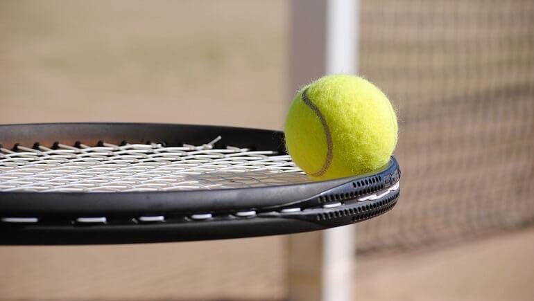"""Стратегия на """"Точный счет"""" в теннисе"""