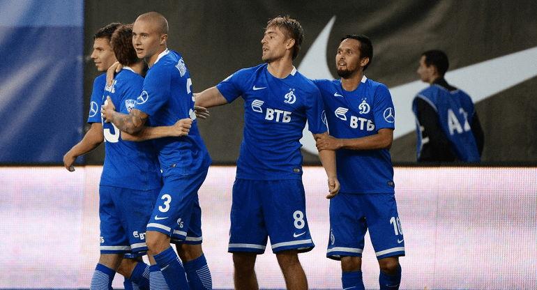 Футбольная команда Динамо Москва