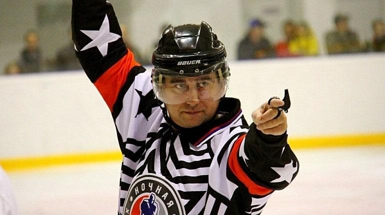 Судья в хоккее