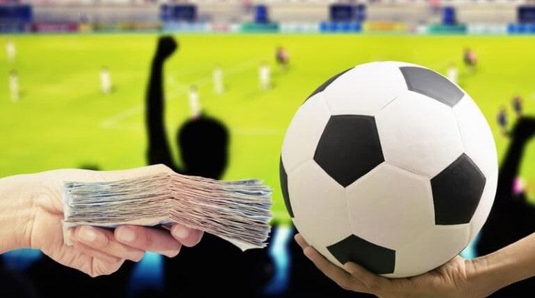 Мяч и деньги